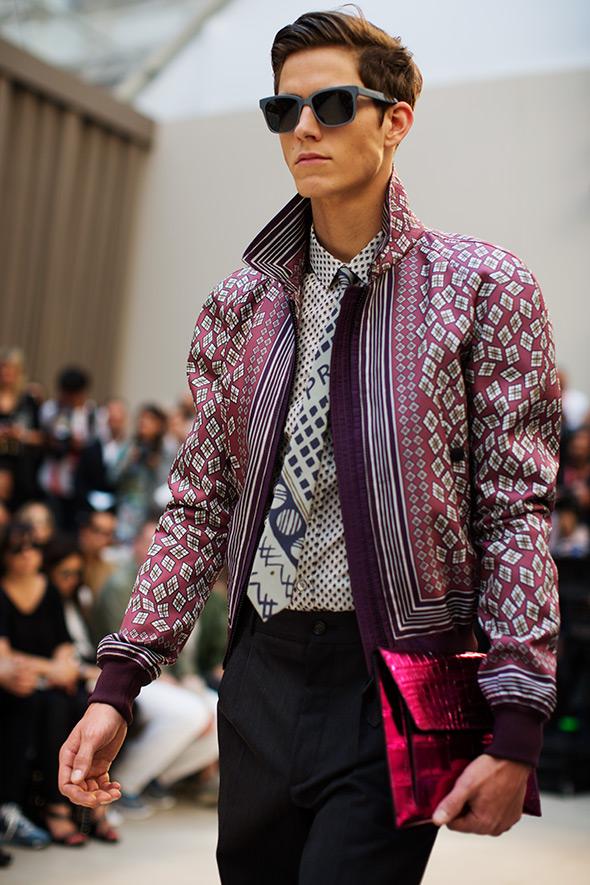 Blogger Justin Livingston of mens fashion blog Munrowe reviews Burberry Mens SS13