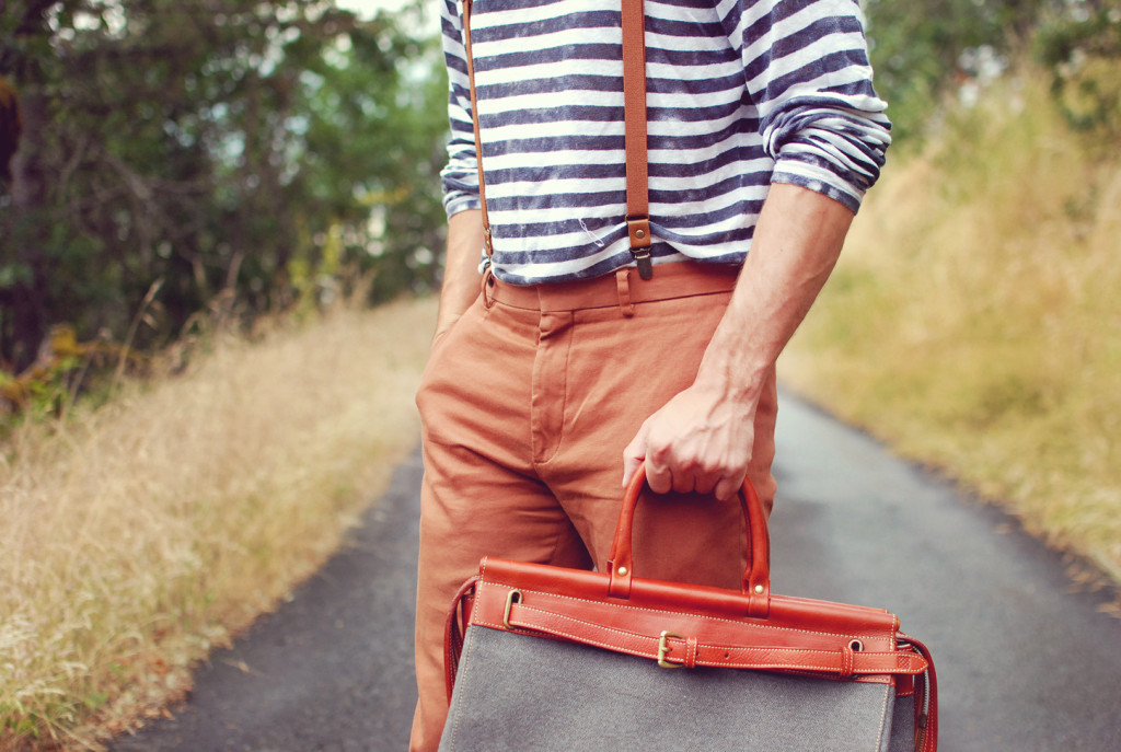 Blogger Justin Livingston of Scout 16 in Zink Brand Steamship Bag
