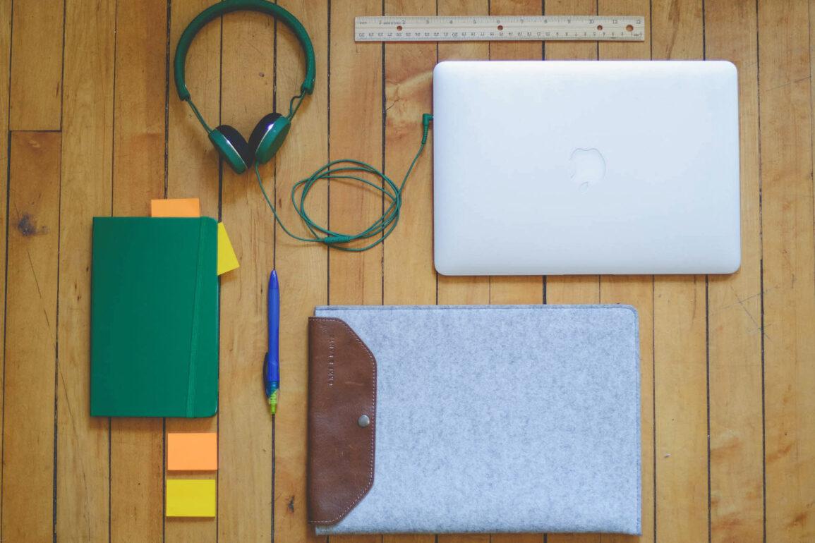 Scout Sixteen - Desk Essentials